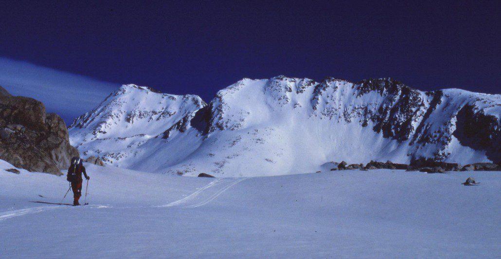 Skiing towards Muir Pass, High Sierra (skier Joel Harper)