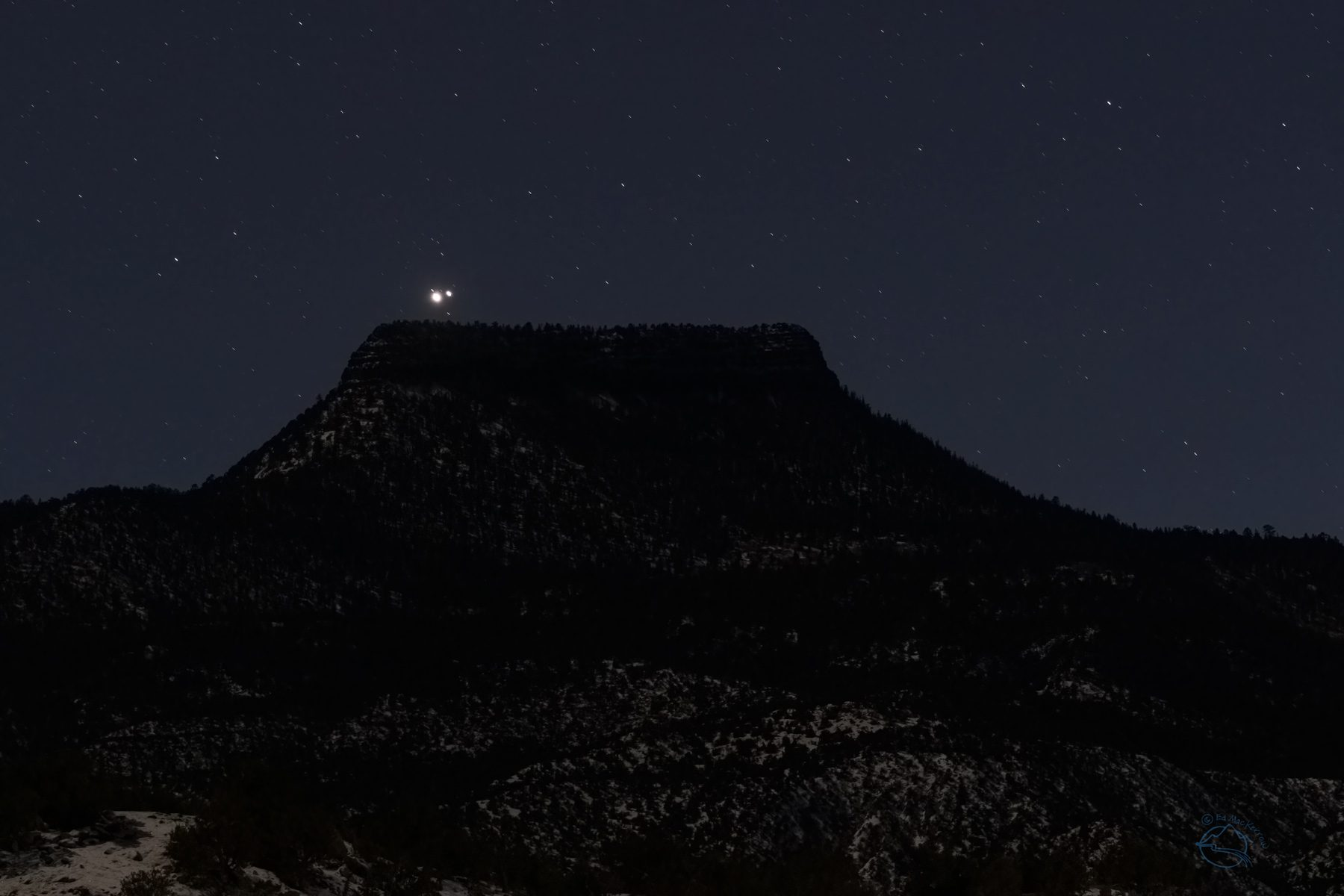 Great conjunction Jupiter-Saturn setting on top of Pedernal, New Mexico